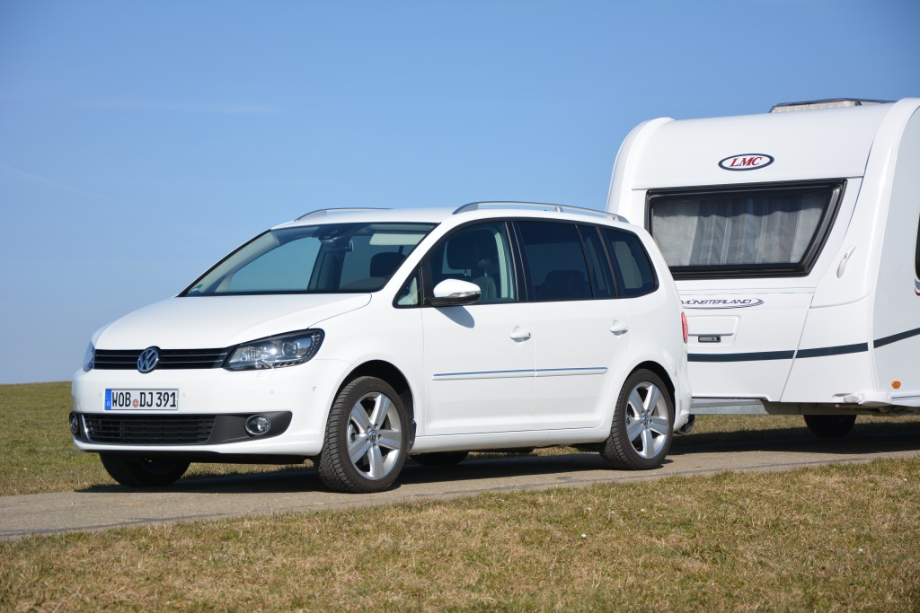 vw touran 2 0 tdi camping cars caravans. Black Bedroom Furniture Sets. Home Design Ideas
