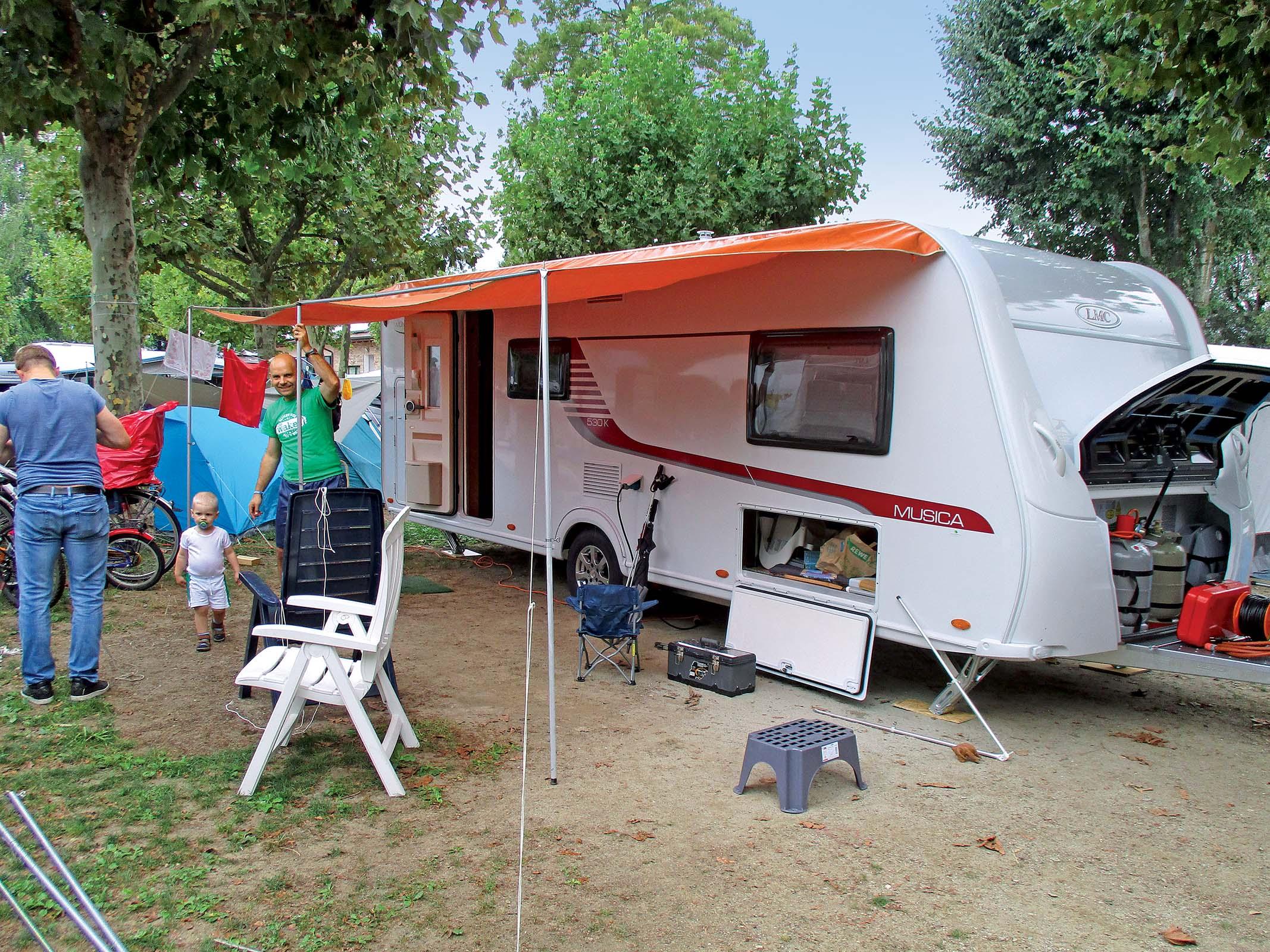 Wohnwagen Etagenbett Lmc : Lmc musica k im test camping cars caravans