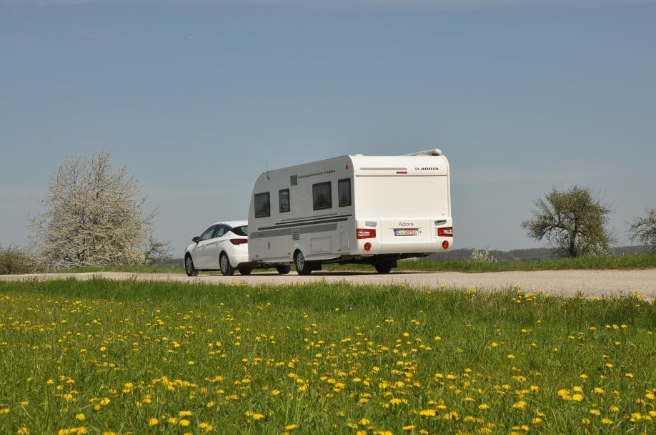 adria adora 572 ut im test camping cars caravans. Black Bedroom Furniture Sets. Home Design Ideas