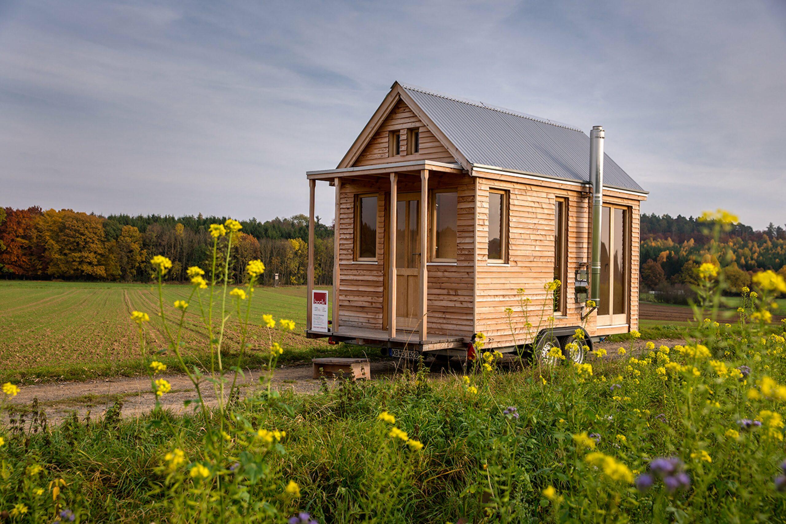 tiny houses in deutschland camping cars caravans. Black Bedroom Furniture Sets. Home Design Ideas