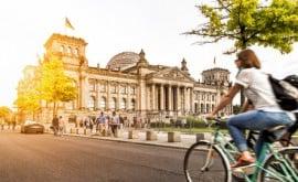 Auf dem Rad lassen sich bei einem Städtetrip Sport und Kultur verbinden.