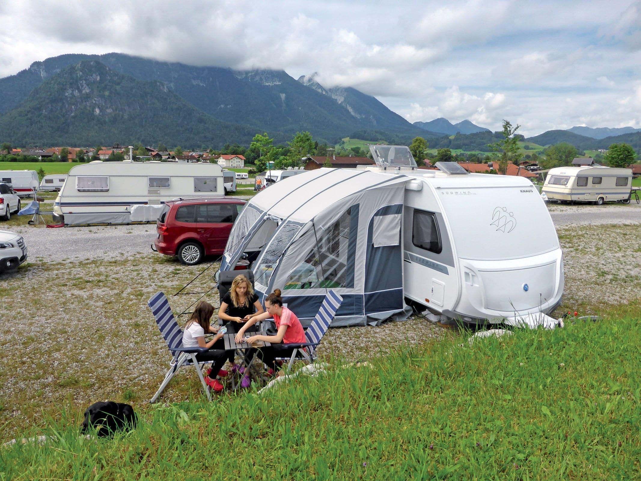 Wohnwagen Mit Etagenbett Test : Knaus südwind s silver selection im test camping cars & caravans