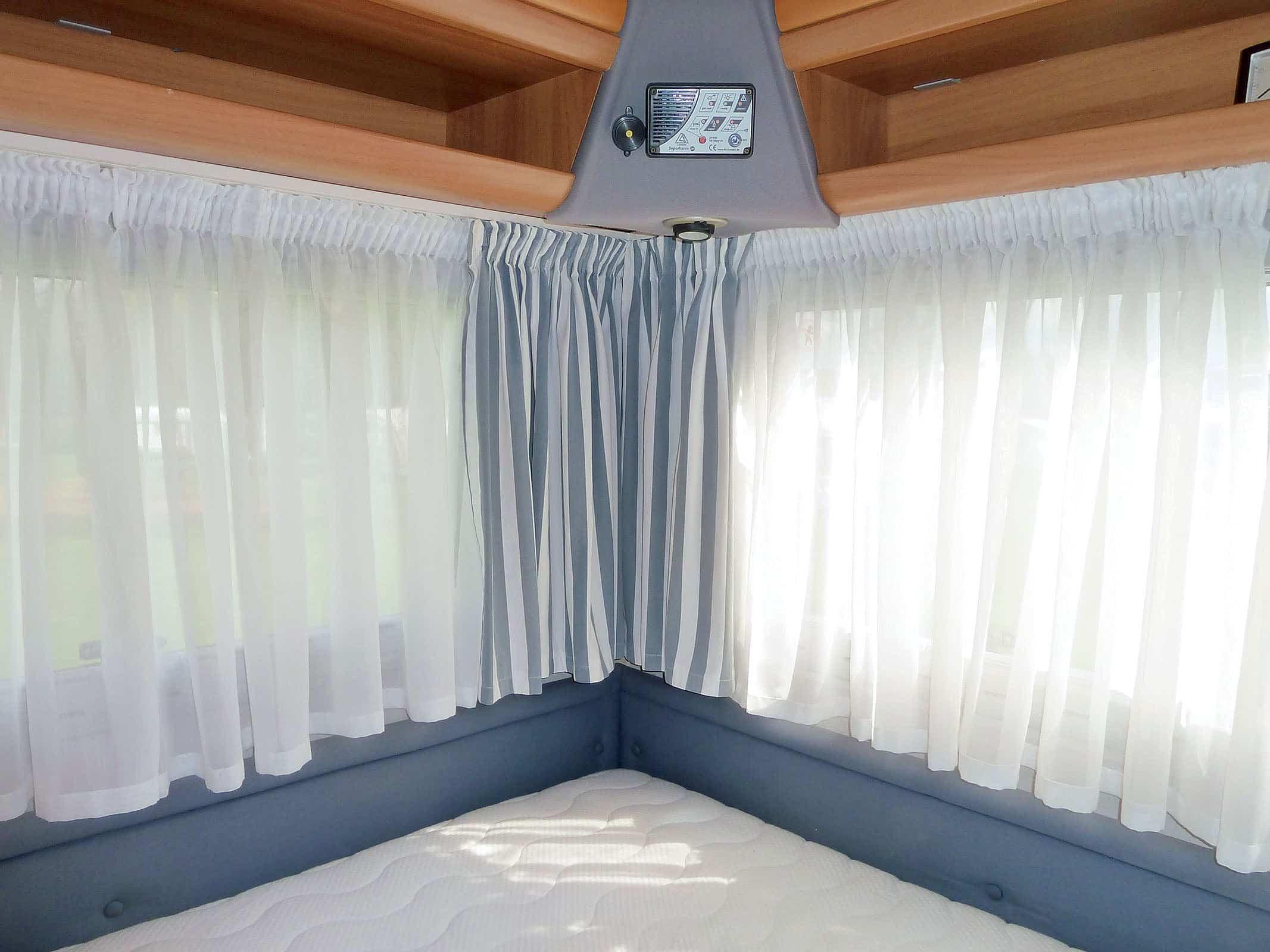 gardine camping cars caravans. Black Bedroom Furniture Sets. Home Design Ideas