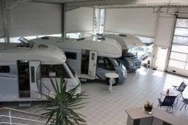 Ausstellungshalle in der Filiale in Wesseling. Foto: Camperland J. Bong Vertriebs GmbH