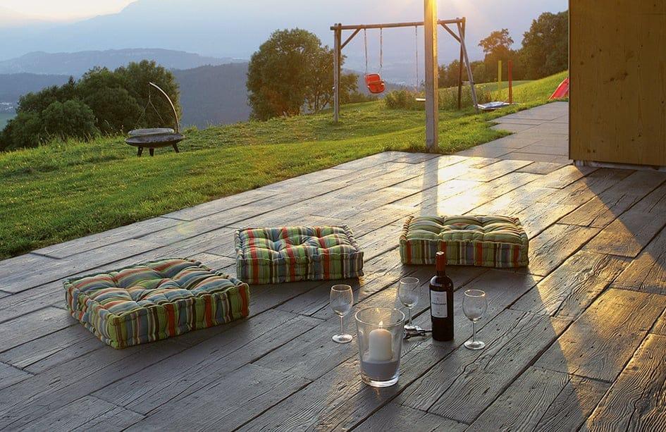 beton mit holzoptik camping cars caravans. Black Bedroom Furniture Sets. Home Design Ideas