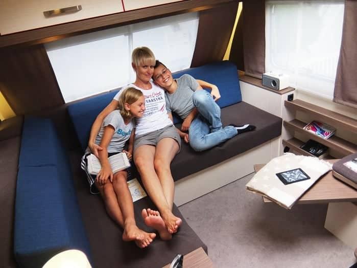 leben mit neuem stil camping cars caravans. Black Bedroom Furniture Sets. Home Design Ideas