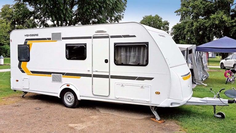 Wohnwagen Mit Etagenbett Vergleich : Reisemobile wohnmobile und wohnwagen mit etagenbetten caravan