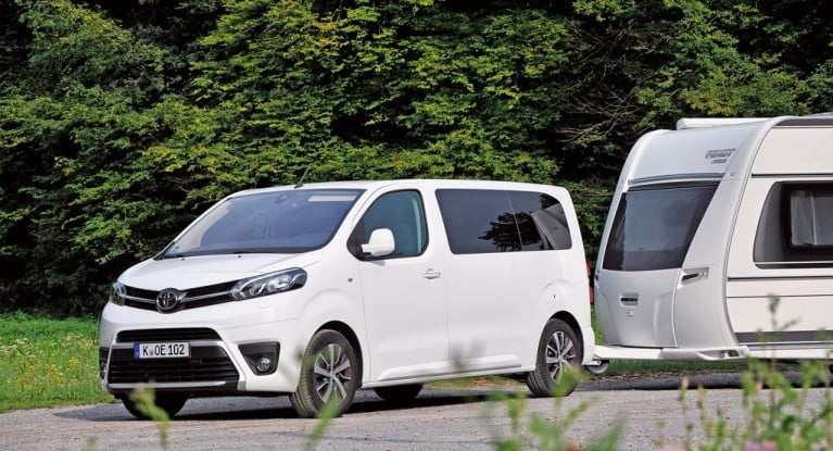 toyota proace verso shuttle 2018 im test camping cars. Black Bedroom Furniture Sets. Home Design Ideas
