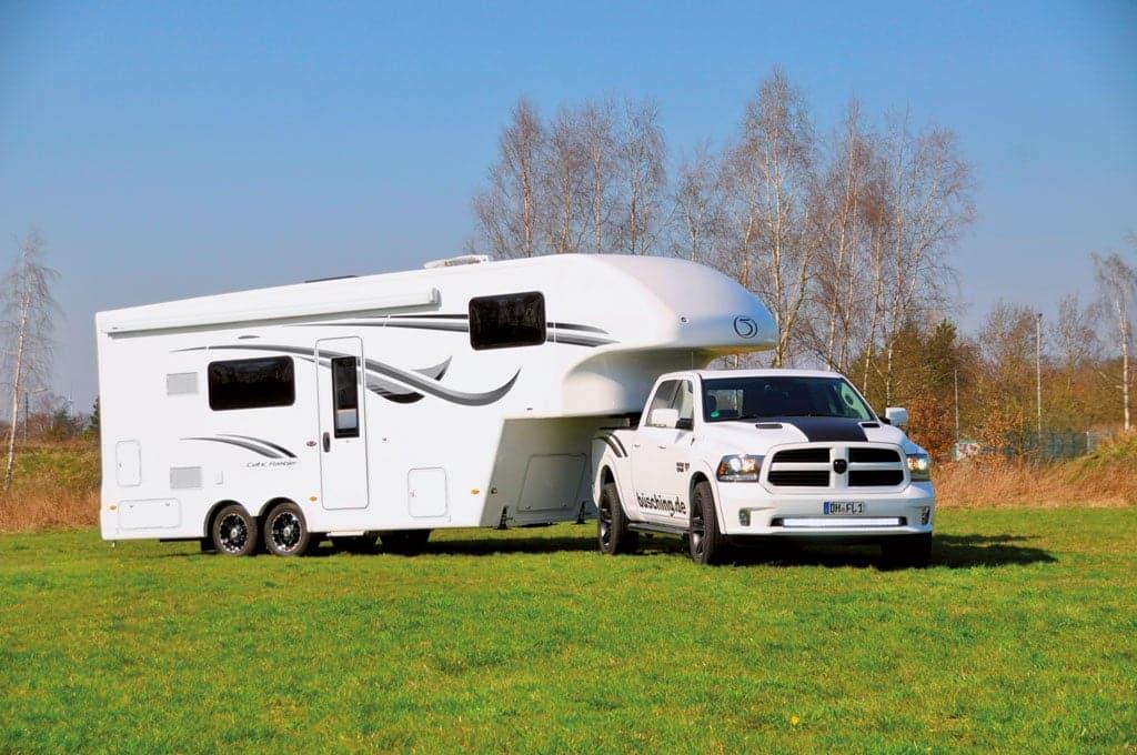 camping cars caravans camping cars caravans. Black Bedroom Furniture Sets. Home Design Ideas