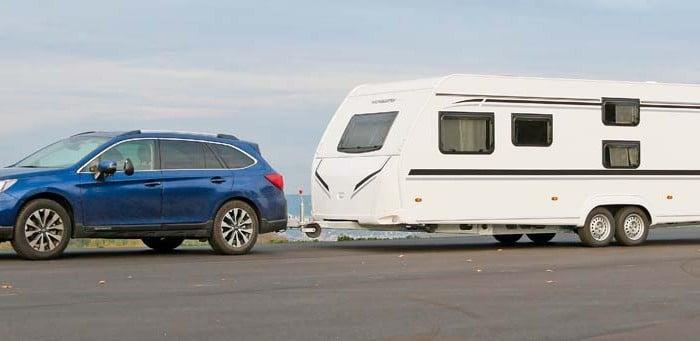 Zugfahrzeug Subaru Outback mit Wohnwagen