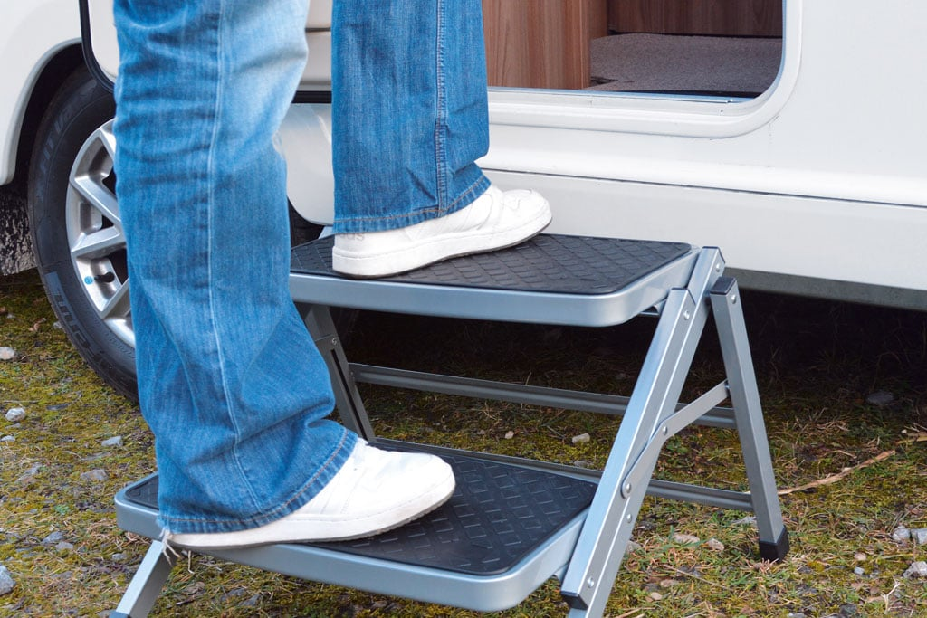 trittstufen worauf caravaner beim kauf achten sollten. Black Bedroom Furniture Sets. Home Design Ideas