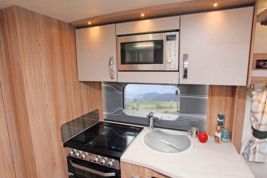 Die Küche im Sprite Cruzer 520 SR
