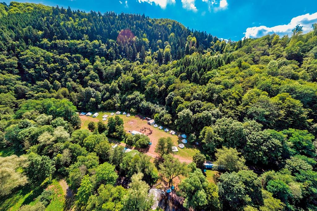 Neuer campingplatz Alf an der Mosel