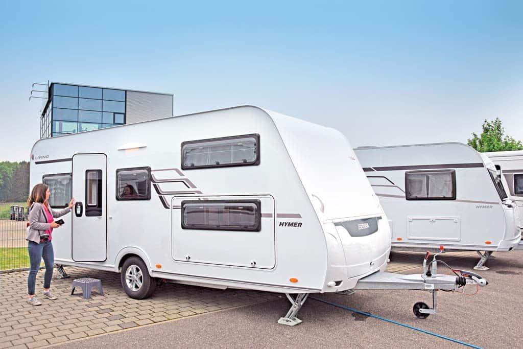Wohnwagen Mit Etagenbett Und Hubbett : Knaus deseo transport plus mit hubbett kg in nordrhein