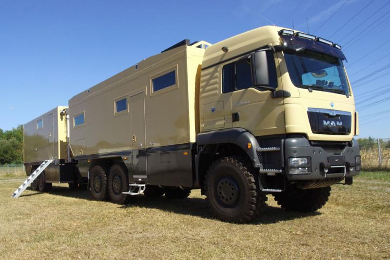 Unicat MD75h mit Wohn- und Werkstatt-Trailer WT69