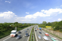 In Österreich gilt für Wohnwagen-Gespanne ein Mindestabstand