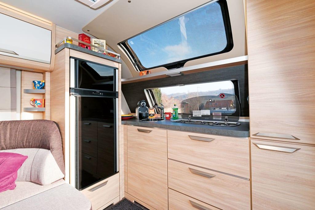 Bugküche im Knaus Südwind 650 PEB